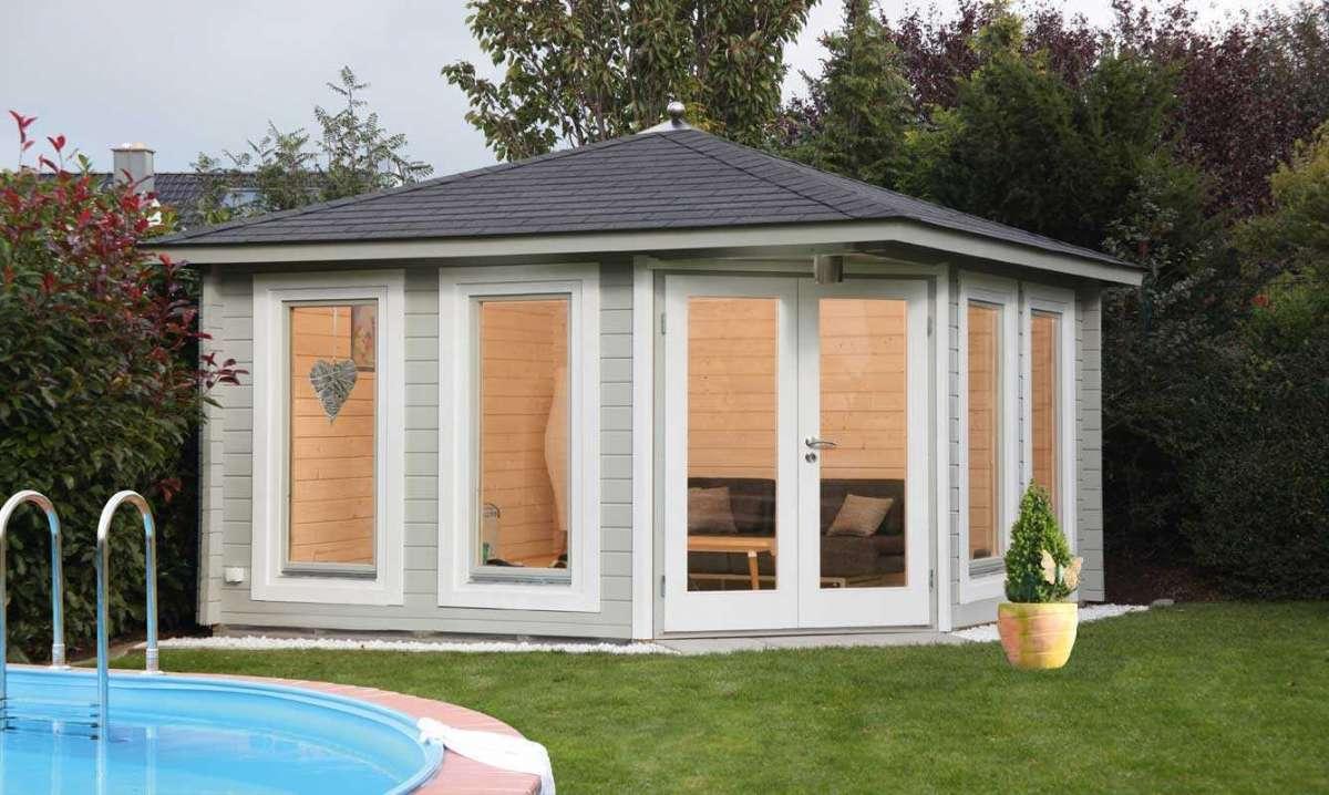 5-Eck-Gartenhaus Kira 4040 mit schwarzen RE-DS und Dachhaube